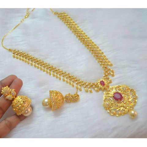INR 3200 Rs