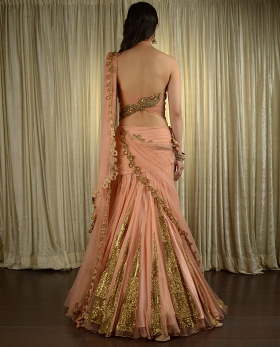 peach-lengha-wedding-pam-mehta-560x695