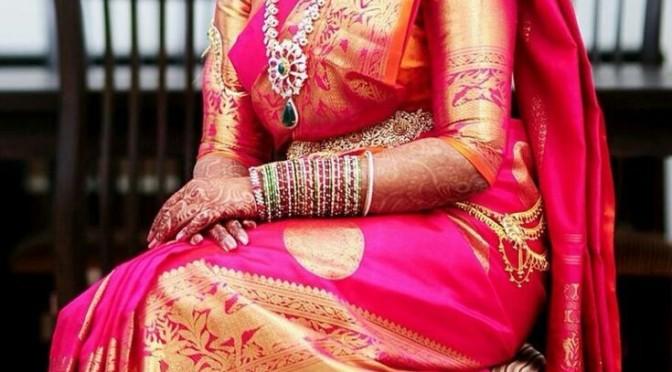 Trending Big border Elbow length blouse Patterns