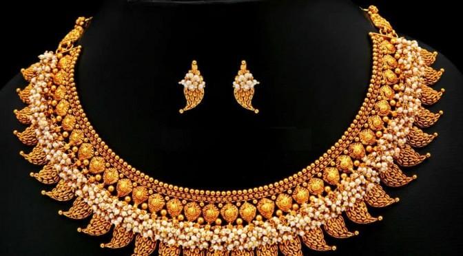 Gold Mango shaped necklace design