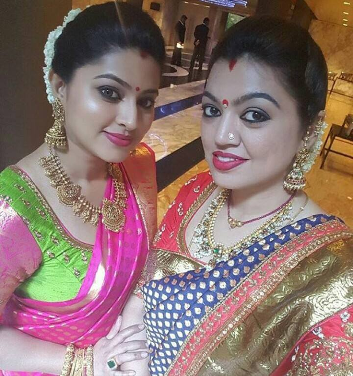 Senha And Sangeeta In Traditional Jewellery Fashionworldhub