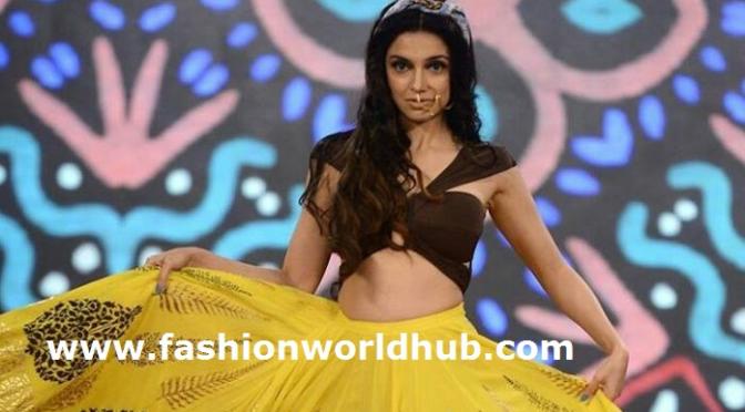 Divya Khosla Kumar in Yellow skirt