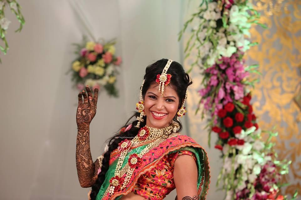 Bahubali - Floral jewellery- Pelli poola jada