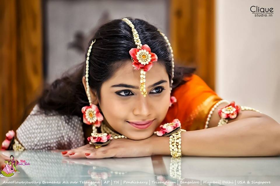 Beautiful bride in Floral jewellery