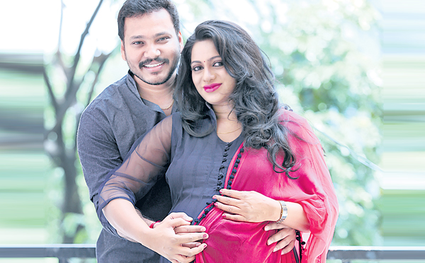 Congratulations! Anchor Udaya bhanu soon to be mommy for TWINS