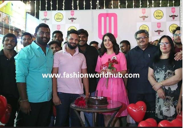 fashionworldhub-rashi khanna