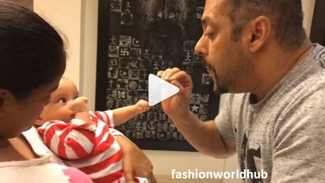 Adorable video of Salman khan & Arpita khan son!!