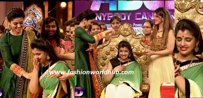 Anchor Shyamala Sreemantham function performed by Actress Sneha & Rambha! ( Watch this video)