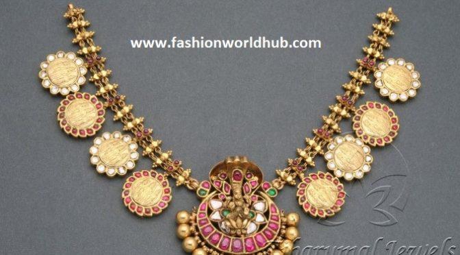 Antique kundan necklace from Tibarumal Jewels