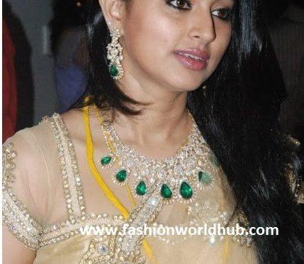 Sneha is in Diamond Jewellery