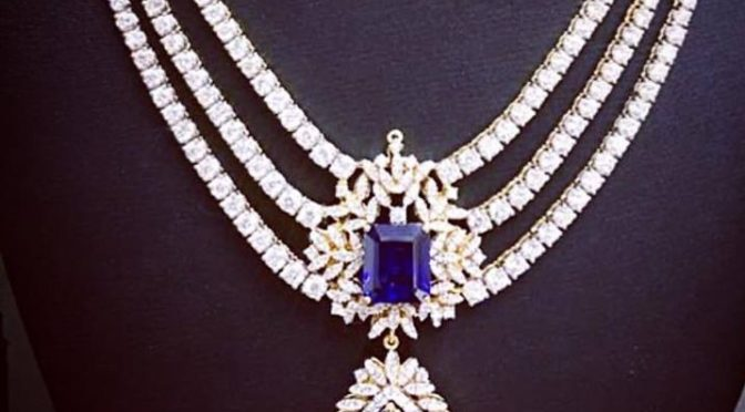 Three layered diamond necklace – Parinicca