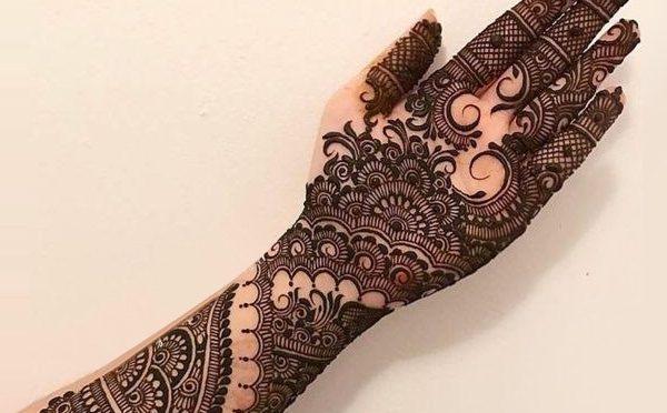 Outstanding Bridal Mehendi designs