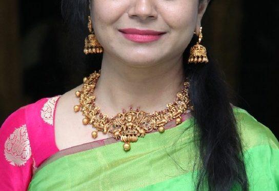 Singer sunitha in Temple jewellery