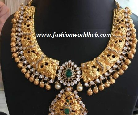 Broad peacock polki diamond necklace