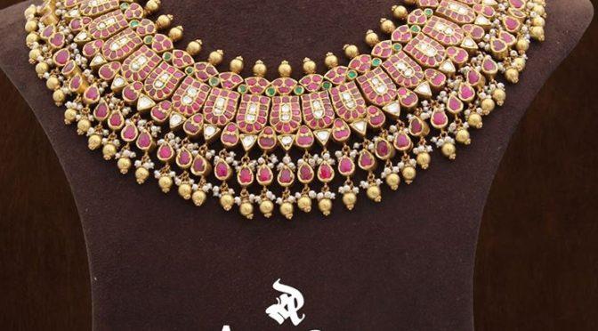 Heavy kundan necklace