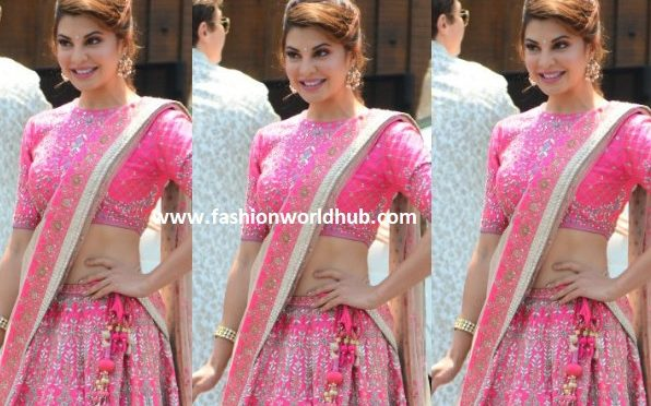 Jacqueline Fernandez looks Gorgeous in pink Lehenga at Sonam Kapoor's Wedding