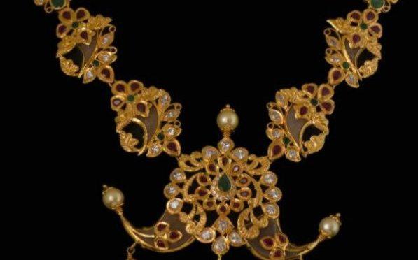 Puligoru Pacchi Necklace