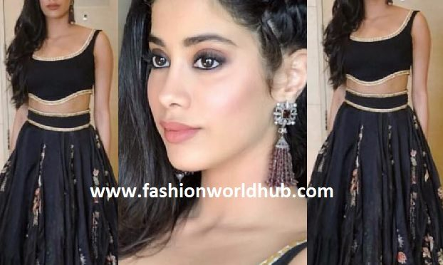 Janhvi Kapoor in Anamika Khanna Couture