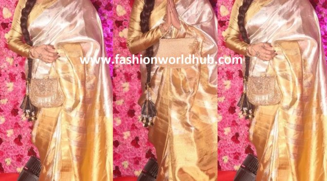 Rekha at Lux Golden Rose Awards!