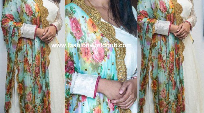 Sneha prasanna in Off white Anarkali!