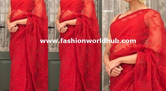 Alia Bhatt in Red saree at News 18 Reel Awards