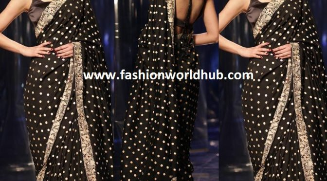 Diana Penty in a black saree at Lotus India fashion week!