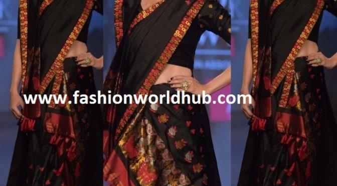 Karisma Kapoor in a traditional Mekhela chador at LMIFW 2019