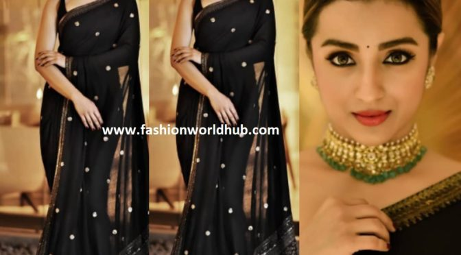Trisha Krishnan in Sabyasachi saree at Asianet Awards 2019