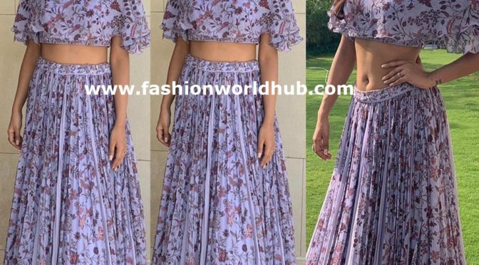 Ishita Dutta in Pastel purple Long skirt and Crop top!