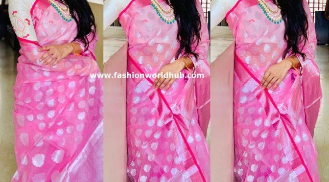 Sravana Bhargavi in Pink silk saree!