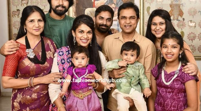 Chiranjeevi Younger daughter Sreeja family pic!