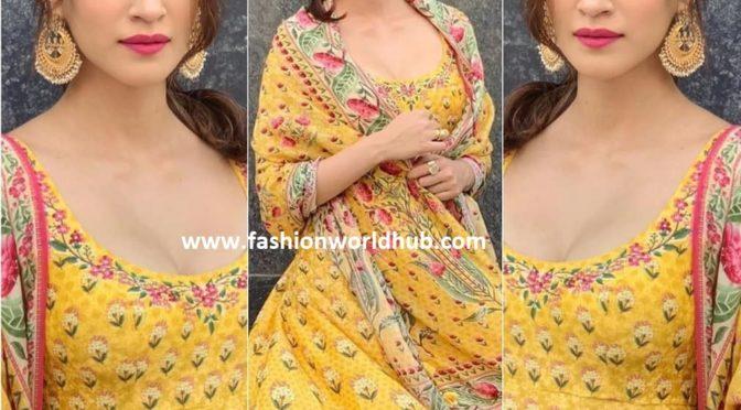 Kriti Sanon in Yellow Anarkali for Arjun Patiala Promotions!