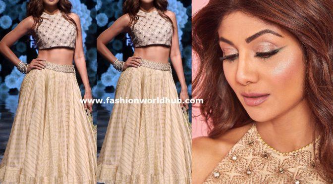 Shilpa sheety in Punit Balana at Lakme fashion week 2019