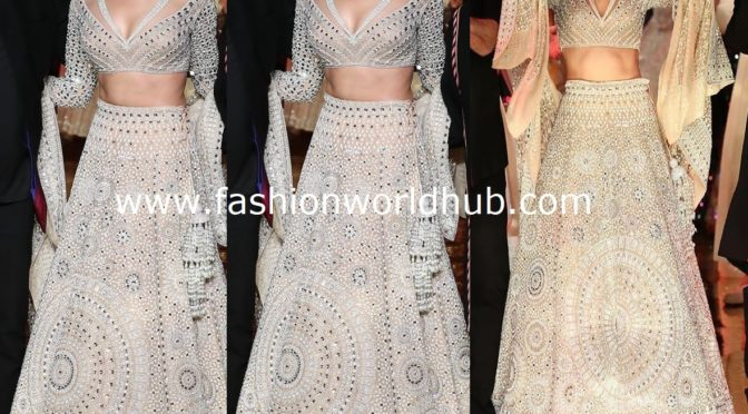 Deepika padukone in Abujani Sandeep khosla at 33 years aJsk fashion show!