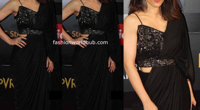 Soha Ali Khan in black fusion saree at MAMI 2019