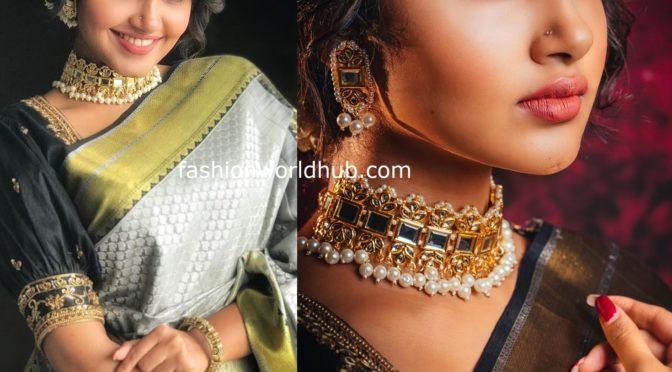 Anupama Parameswaran in Grey silk saree!