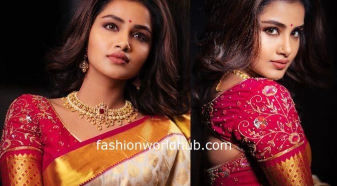 Anupama Parameswaran in a Gold kanjeevarm saree!