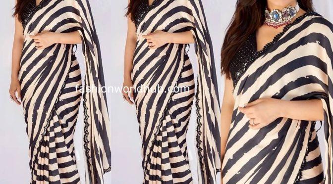 Kajol in striped saree for Tanhaji Promotions!