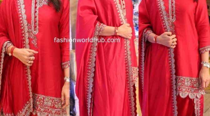 Namrata Shirodkar in Jayanthi Reddy Label!