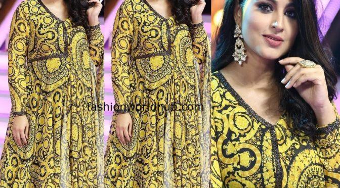 Pregnant Sneha flaunt's baby bump in printed Anarkali suit!