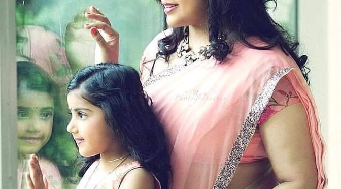 Meena and her daughter in matching outfit!