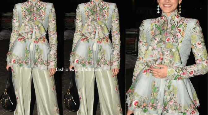 Taapsee in Anamika khanna for Thappad movie promotions!
