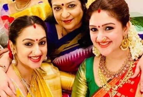 Pritha hari and Sridevi vijaykumar in traditional saree!