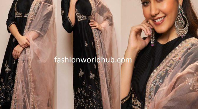 Raashi Khanna in a black palazzo suit by Anju Modi!