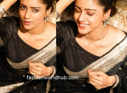 Vithika Sheru in a black silk saree!