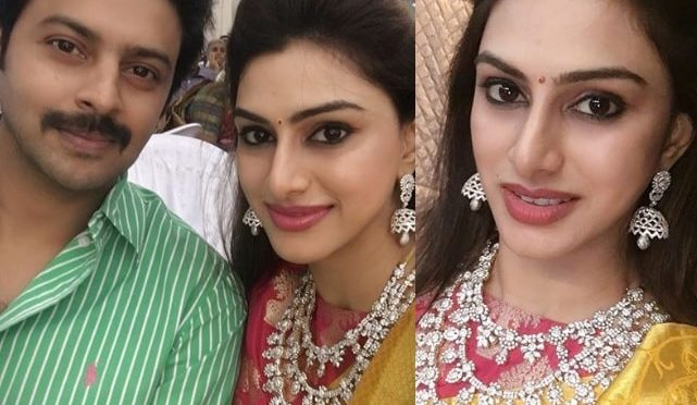 Vandana srikanth in Layered diamond necklace