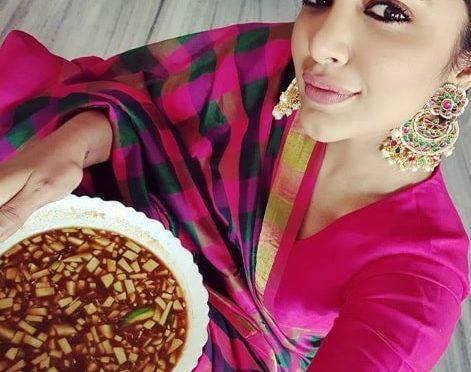 Tejaswi Madivada in a Silk Saree!