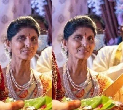 Nithiin's Mother Vidhya Reddy in Diamond jewellery!