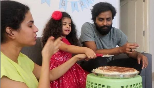 Singer Sravana Bhargavi & Hemachadra daughter Shikara Chandra birthday pics!