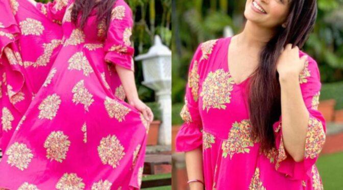 Dipika Kakar in a pink kurta by Bunnai!